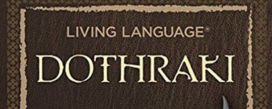 James liest <em>Living Language Dothraki</em>